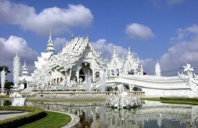 white_temple_chiangrai_aanzicht-3